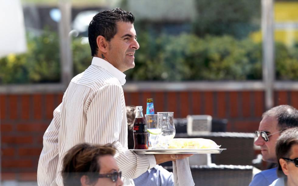 El sector servicios acapara casi ocho de cada 10 trabajadores en España